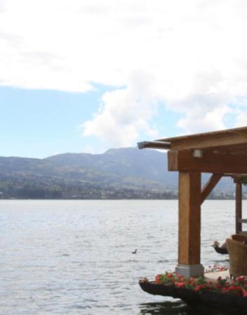 Navegar en el lago San Pablo