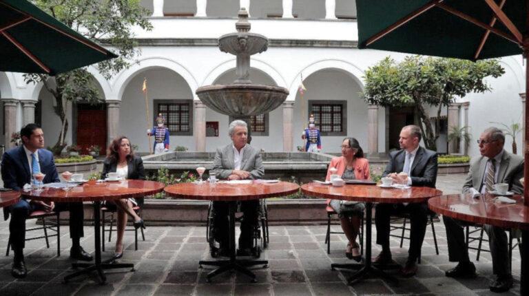 El presidente Lenín Moreno suscribió un acuerdo entre el Gobierno Nacional y jubilados para el pago de compensaciones jubilares, el 5 de octubre de 2020.