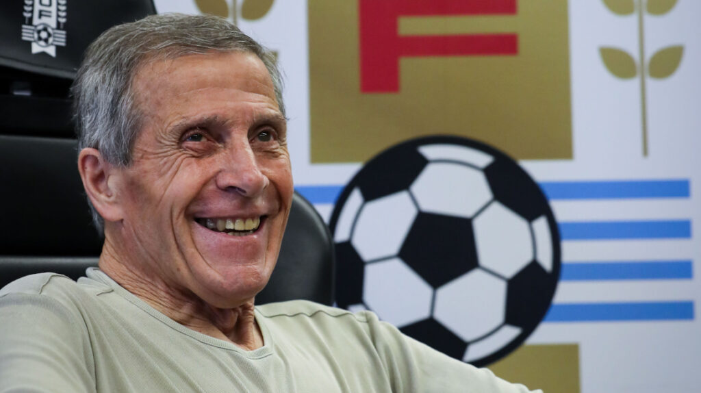 Tabárez deja a Cavani fuera de la convocatoria para las Eliminatorias