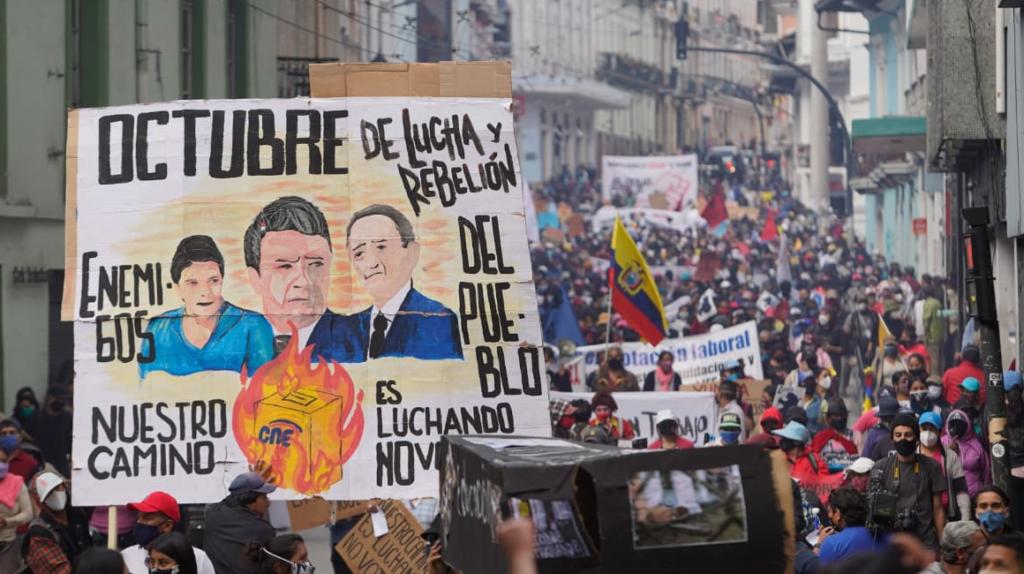Protesta de desempleados recorre el Centro Histórico de Quito