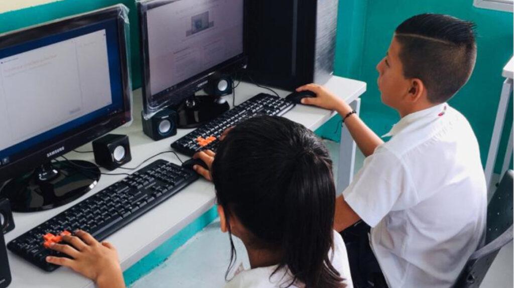 17 instituciones educativas en Ecuador cierran por la crisis de Covid-19