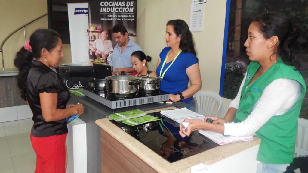 Gobierno analiza futuro de las cocinas de inducción en 2021