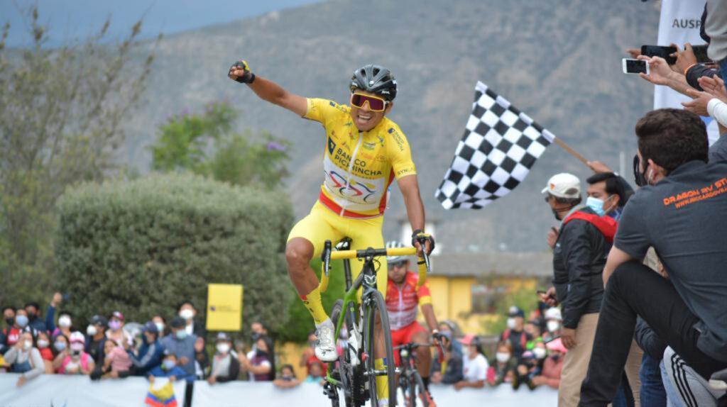Santiago Montenegro se corona campeón de la Vuelta al Ecuador