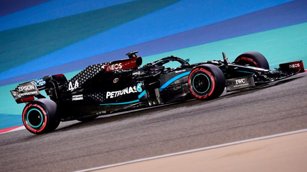 Lewis Hamilton llega a su 'pole' 98 en el GP de Bahrein