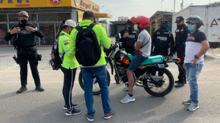 Imagen referencial de un operativo de la Policía Nacional en Huaquillas el 27 de noviembre de 2020.