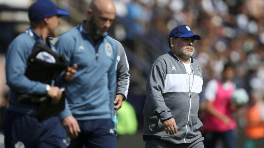 El cuerpo técnico de Diego Maradona renuncia a Gimnasia