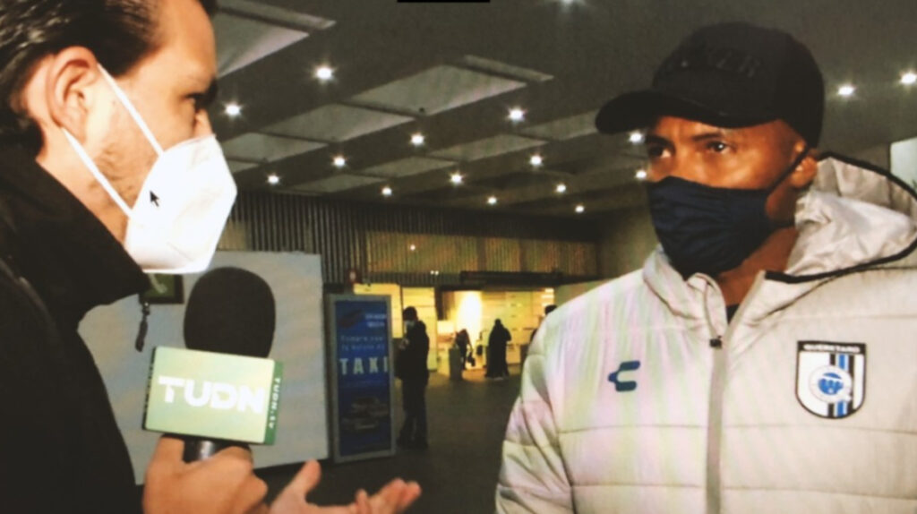 Antonio Valencia llegó a México para fichar por el Querétaro