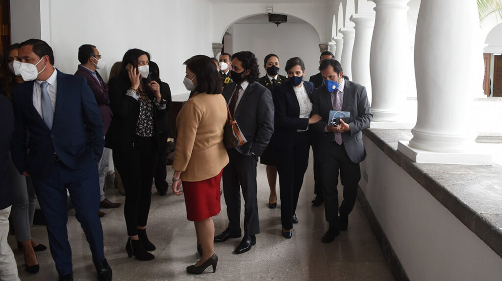 Bancadas legislativas se dividieron por la censura a María Paula Romo