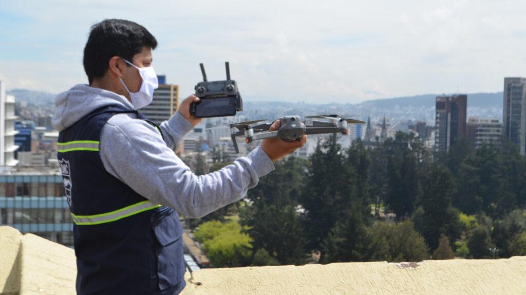 Dueños de drones deberán contratar un seguro de daños a terceros