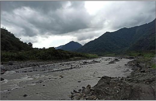 La erosión regresiva se ubica a la altura del campamento La Loma, de la Corporación Eléctrica del Ecuador (Celec), el 22 de noviembre de 2020.