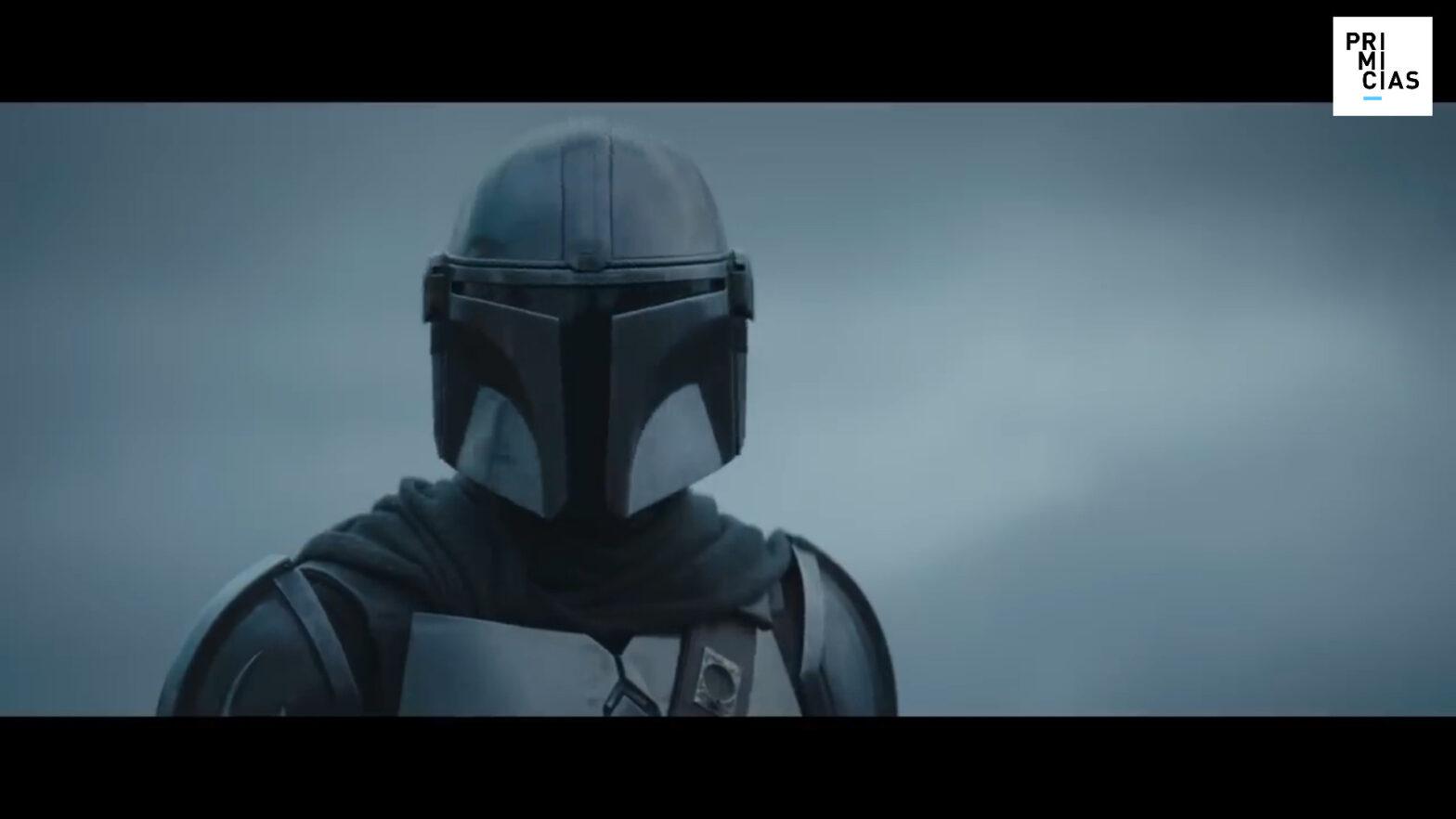 El chileno Pedro Pascal interpreta al personaje central de la serie, que casi nunca se saca el casco.