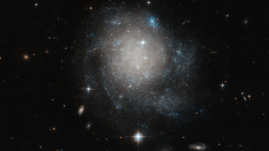 Crujidos, gemidos y silbidos, estos son los sonidos siniestros del universo