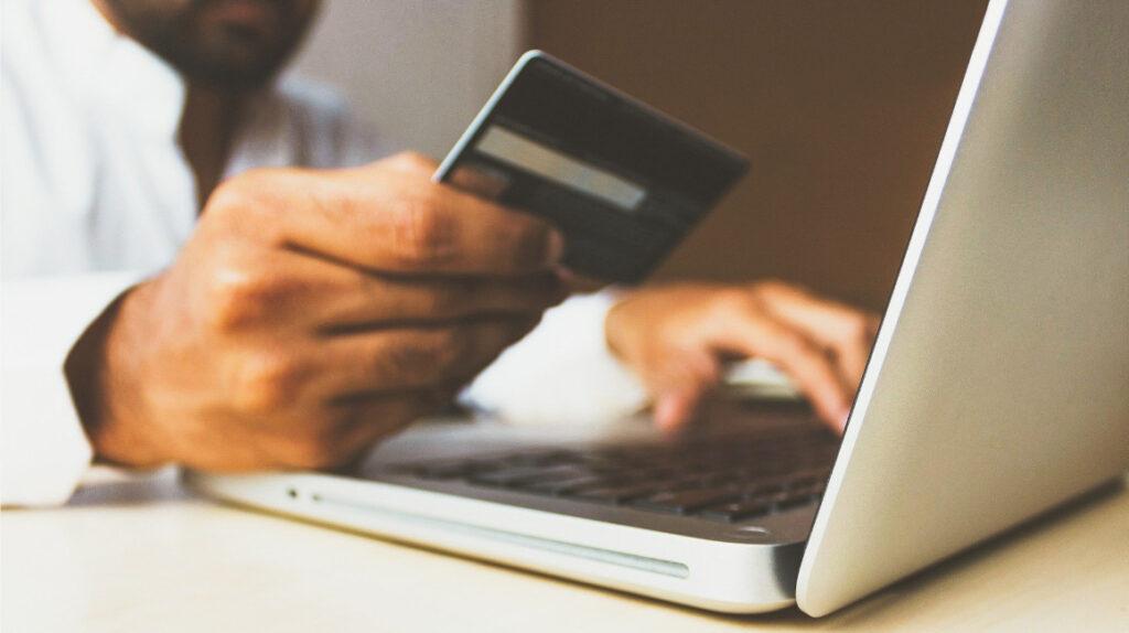 El consumo con tarjetas de crédito se recupera en medio de la pandemia