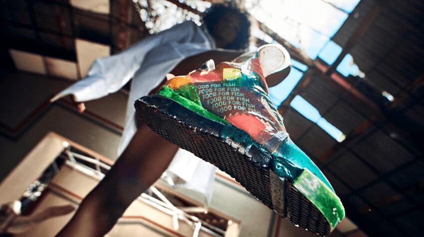 Zapato deportivo de Felipe Fiallo, de la colección Growing Shoe, el 12 de noviembre de 2020.