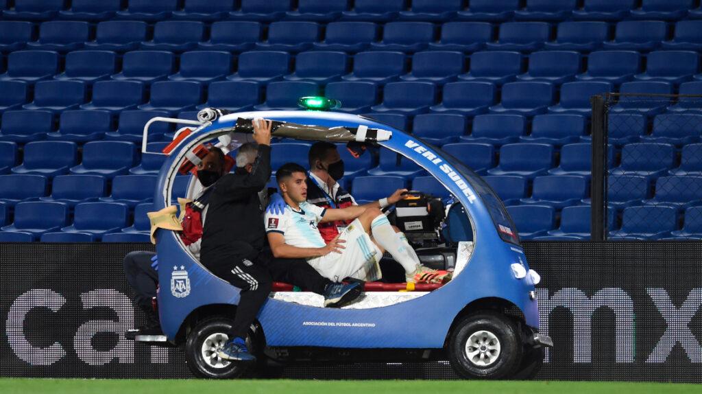 Tras la lesión, Exequiel Palacios será baja por tres meses