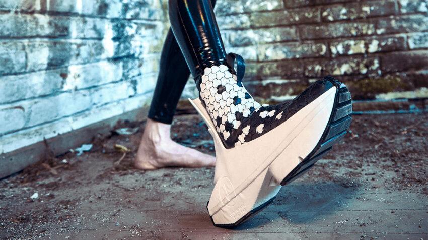 Zapato de Felipe Fiallo, de la colección Upcycling, el 12 de noviembre de 2020.