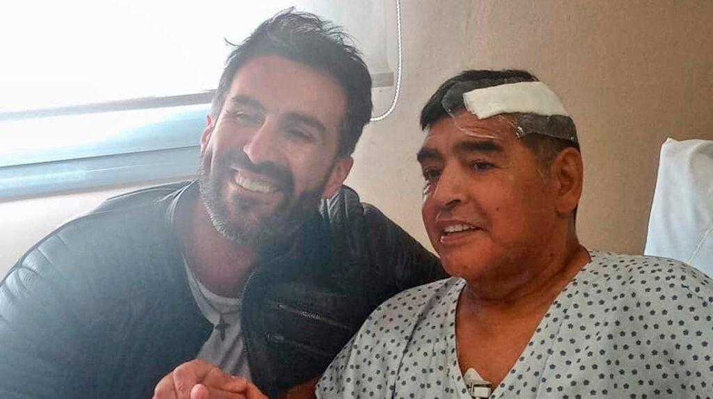 Médico de Maradona insultó a sus hijas y dijo que merecía un monumento