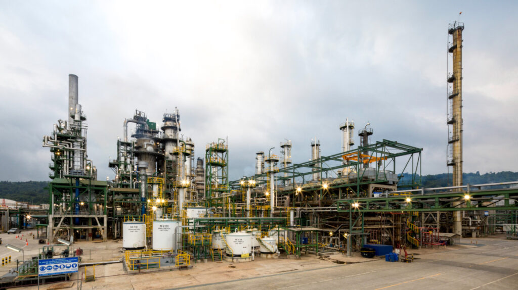 Fallo puede parar la elección de la aseguradora de Petroecuador