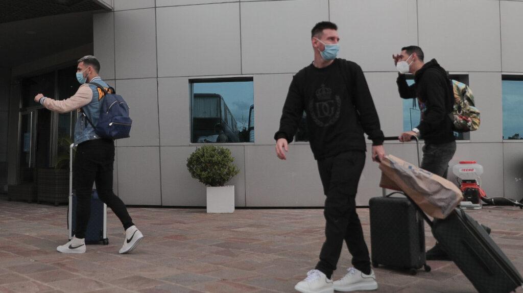 Messi llega a Argentina y se integra a la concentración de la 'albiceleste'