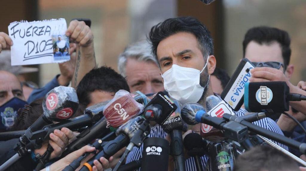 """Maradona quiere dejar el hospital: """"Diego es muy difícil"""", dice su médico"""