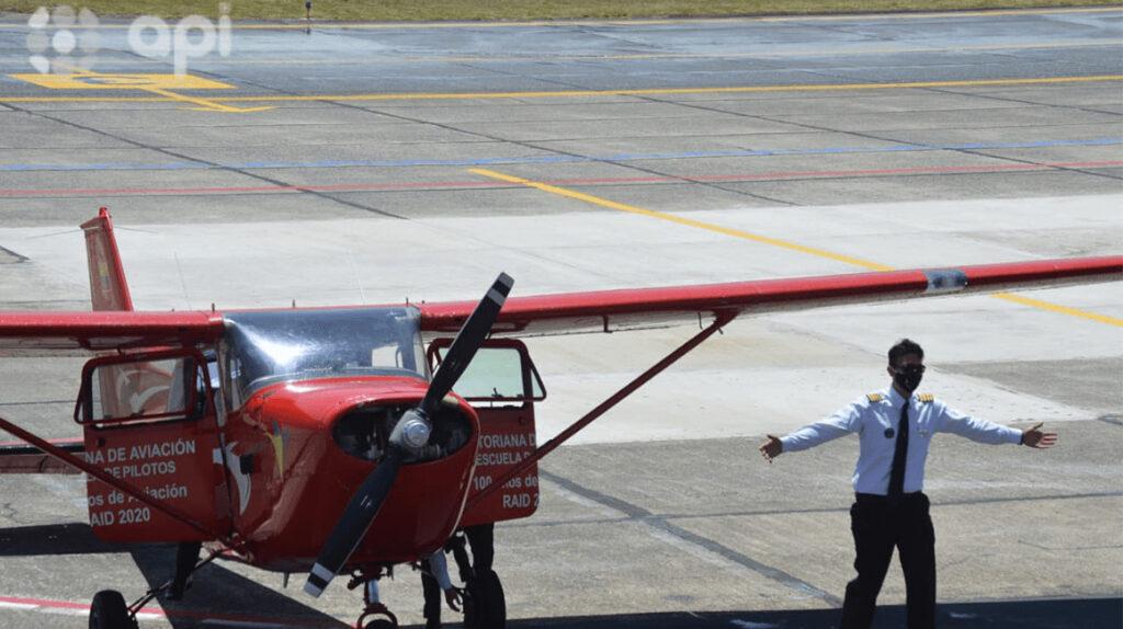 'Raid aéreo' llegó a Cuenca como homenaje a Elia Luit