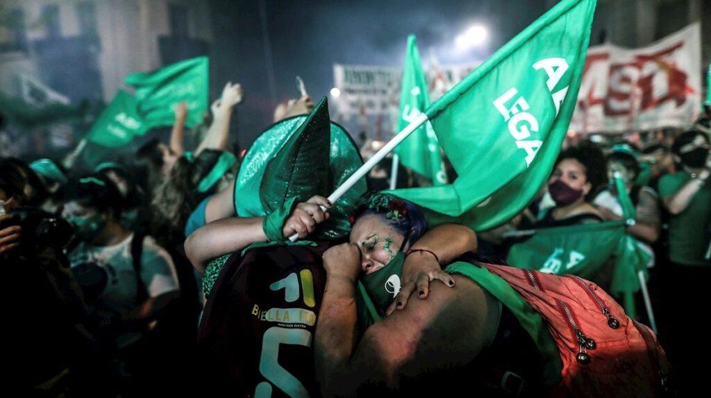 El Senado argentino aprobó la legalización del aborto