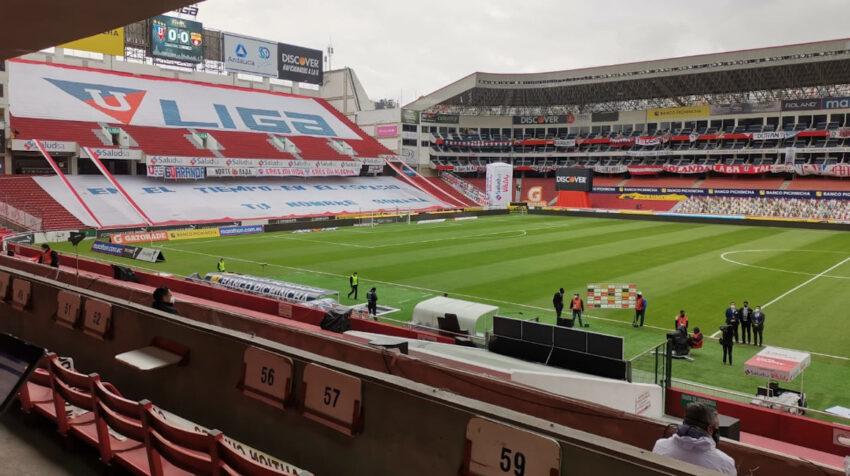 Vista del estadio Rodrigo Paz Delgado previo a la final de vuelta de la LigaPro, el 29 de noviembre de 2020.
