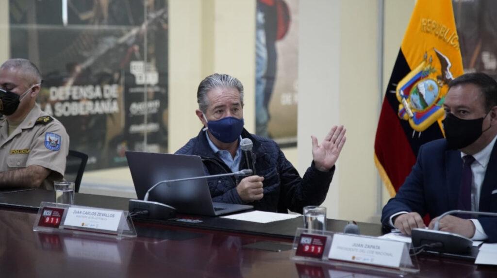 Zevallos se defiende: No fue un error vacunar en el Hospital de los Valles