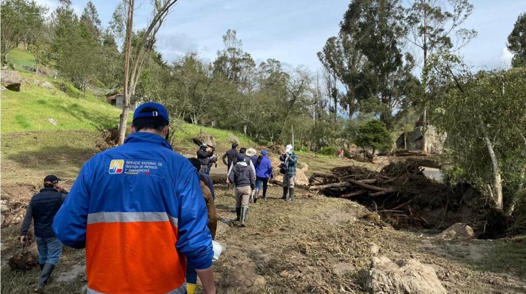 Emergencia en dos cantones de Azuay tras fuertes lluvias y granizo