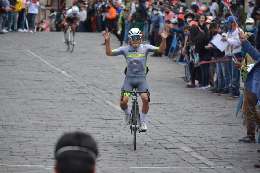 Mateo López, ganador en la categoría prejuvenil, de la Etapa 4 del Tour de la Juventud.