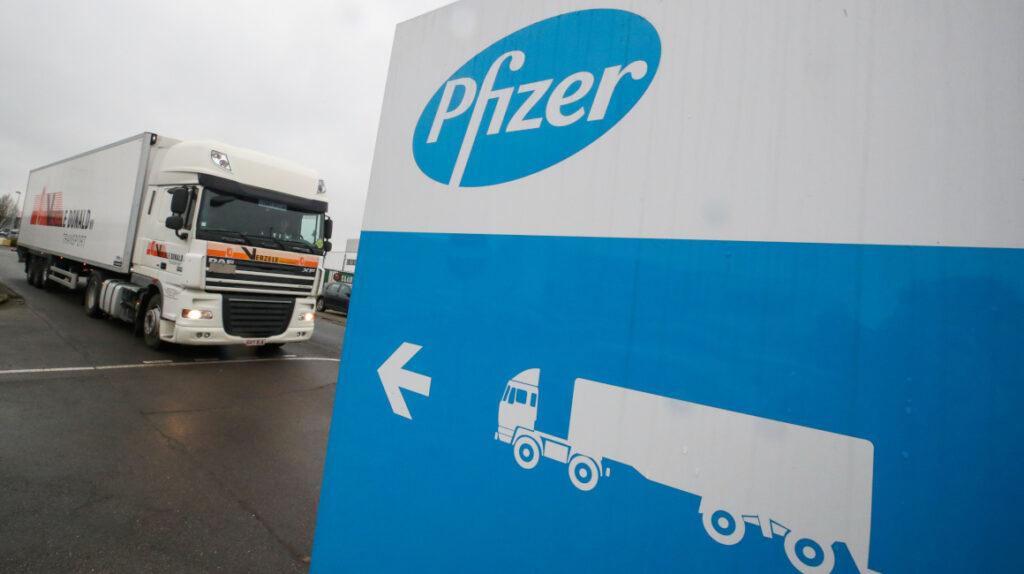 Pfizer comienza estudios preliminares de fármaco oral contra Covid-19