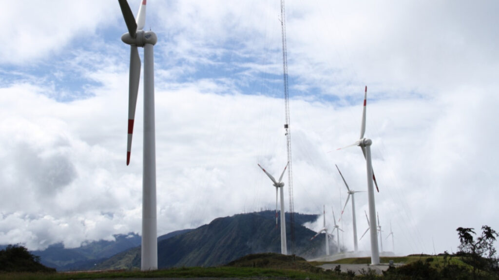 Ecuador busca USD 2.200 millones para proyectos de energía no convencional