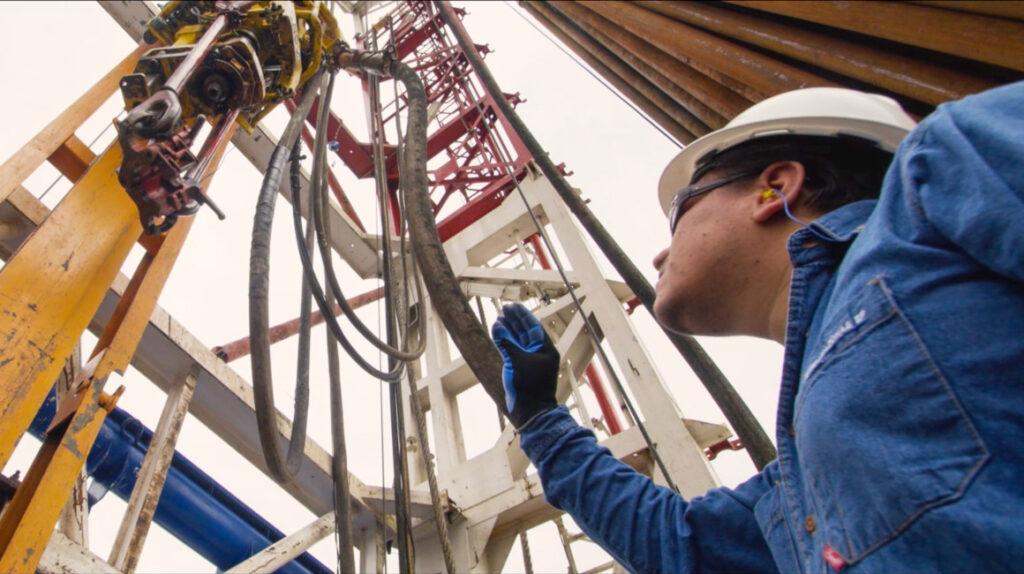 Un año tomaría la renegociación de contratos petroleros en Ecuador