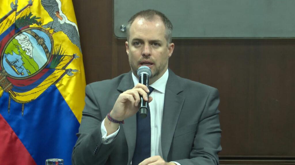 La Asamblea llama a juicio político al ministro de Trabajo