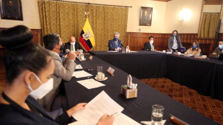 Moreno lideró una reunión con una delegación de alcaldes del país, en el Palacio de Carondelet, el 1 de diciembre de 2020.