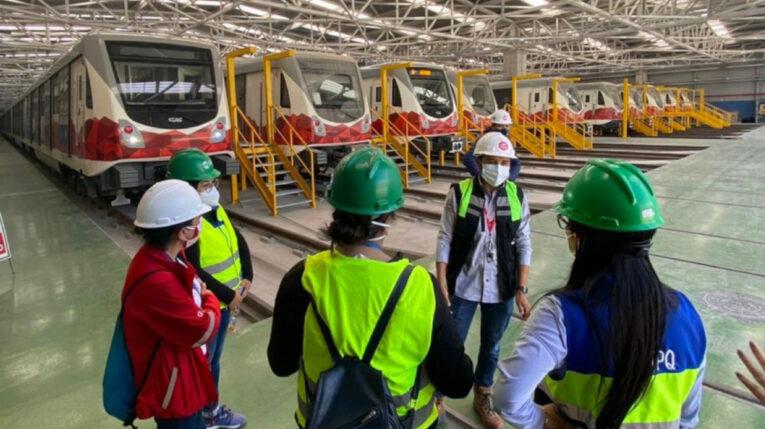 Imagen de los trenes del Metro de Quito, el 24 de noviembre de 2020, en Quitumbe.