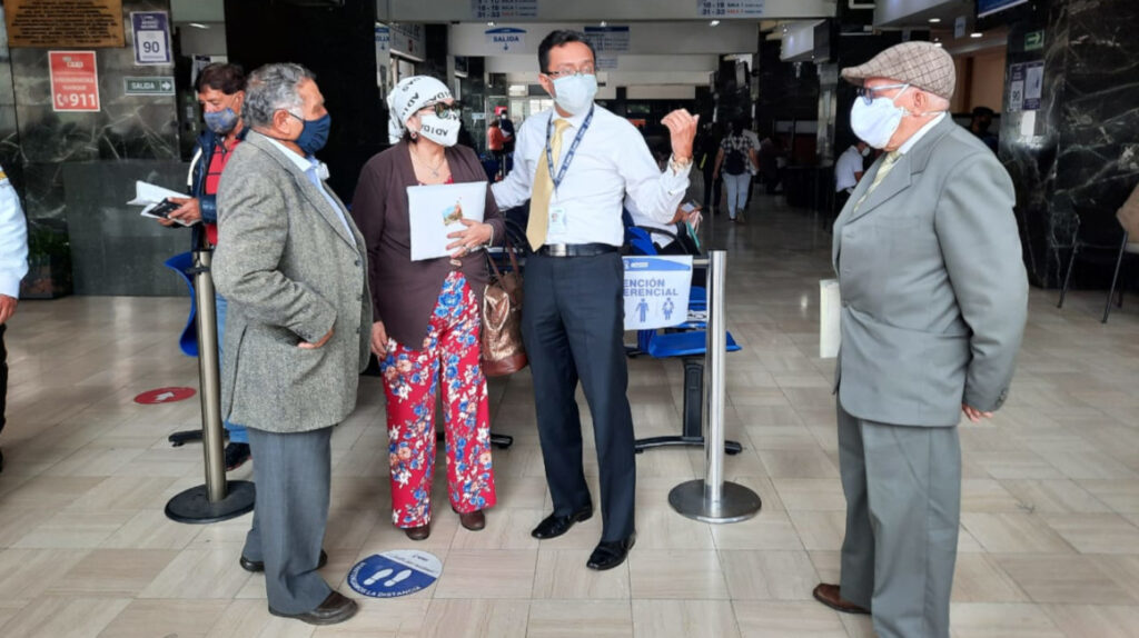 Banco Mundial: IESS podría tener problemas para pagar pensiones en 2022