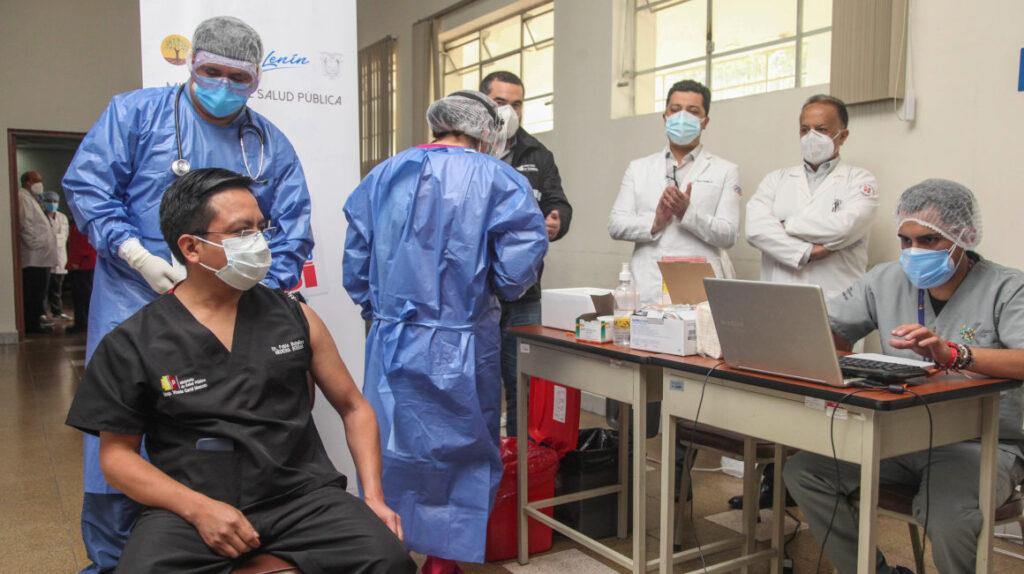 Defensor del Pueblo: hay conflicto de intereses en la entrega de vacunas