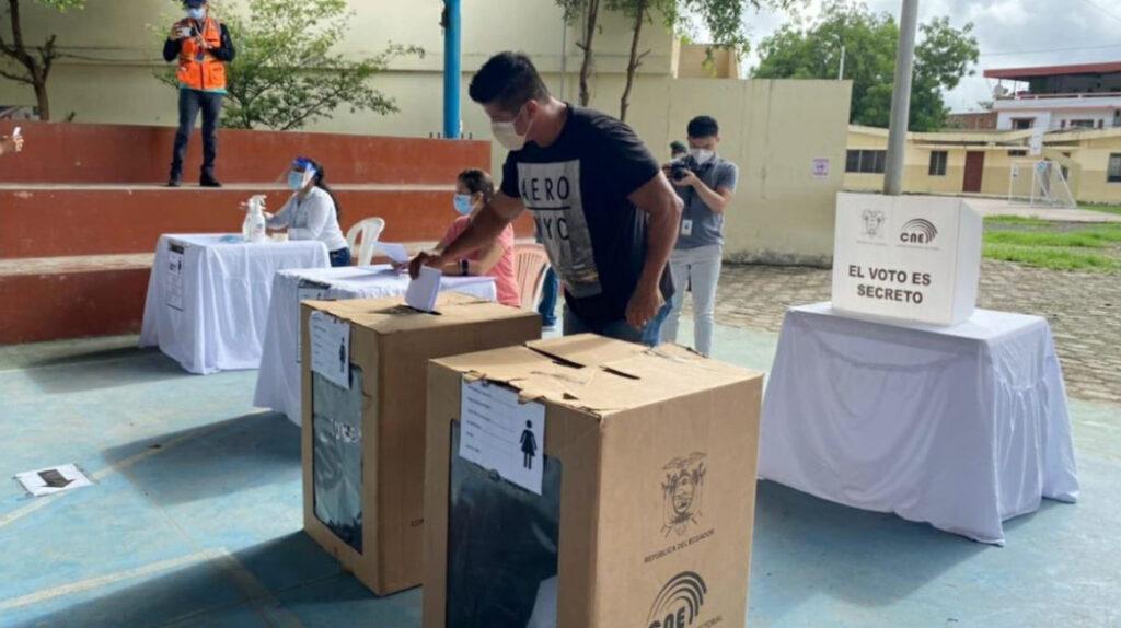 Un triunfo en primera vuelta electoral se hace menos probable