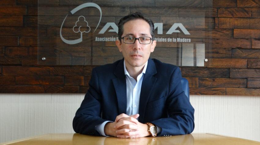 Christian Riofrío, director ejecutivo de la Asociación Ecuatoriana de Industriales de la Madera (AIMA).