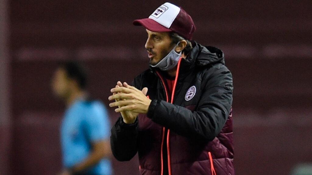 Luis Zubeldía busca su primer título internacional con Lanús