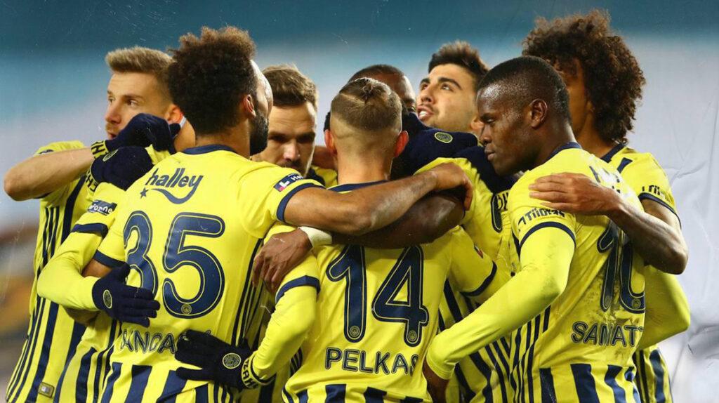 El Fenerbahce de Enner Valencia perdió el clásico ante el Galatasaray