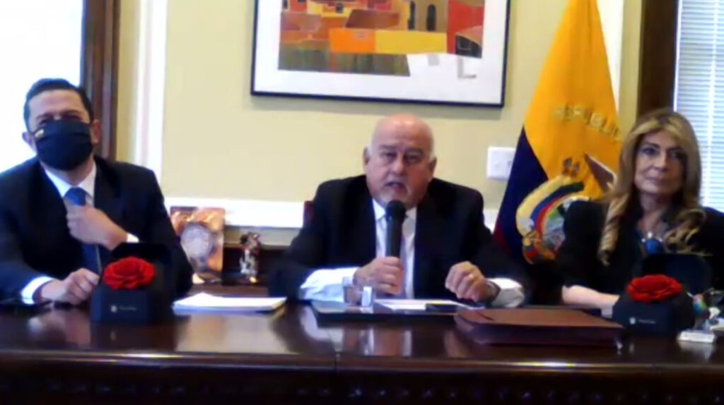 Ecuador firma acuerdo con DFC para crédito por USD 3.500 millones