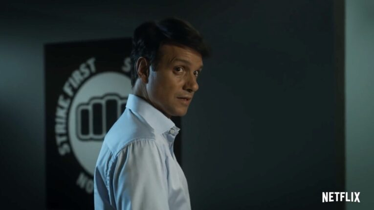 Ralph Macchio es Daniel Larusso, en 'Cobra Kai'.