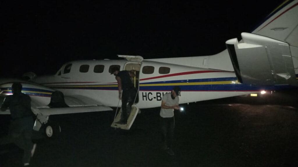 Investigan avioneta abandonada en las Islas Galápagos