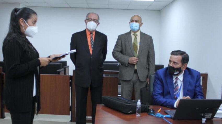 Iván León, juez encargado de la CNJ, rinde la prueba teórica en el concurso para nuevos magistrados nacionales, el 29 de diciembre de 2020.