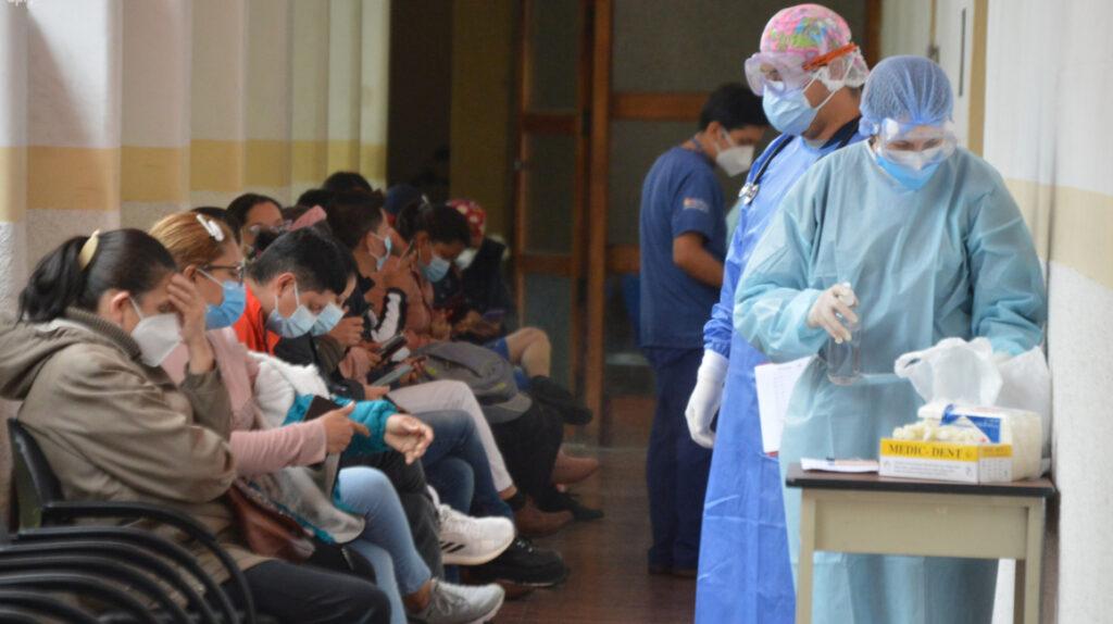 Un año de Covid-19: las cifras que deja el virus en Ecuador