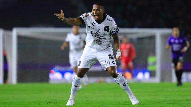 Antonio Valencia, durante el partido ante Mazatlán, el viernes 26 de febrero de 2021.