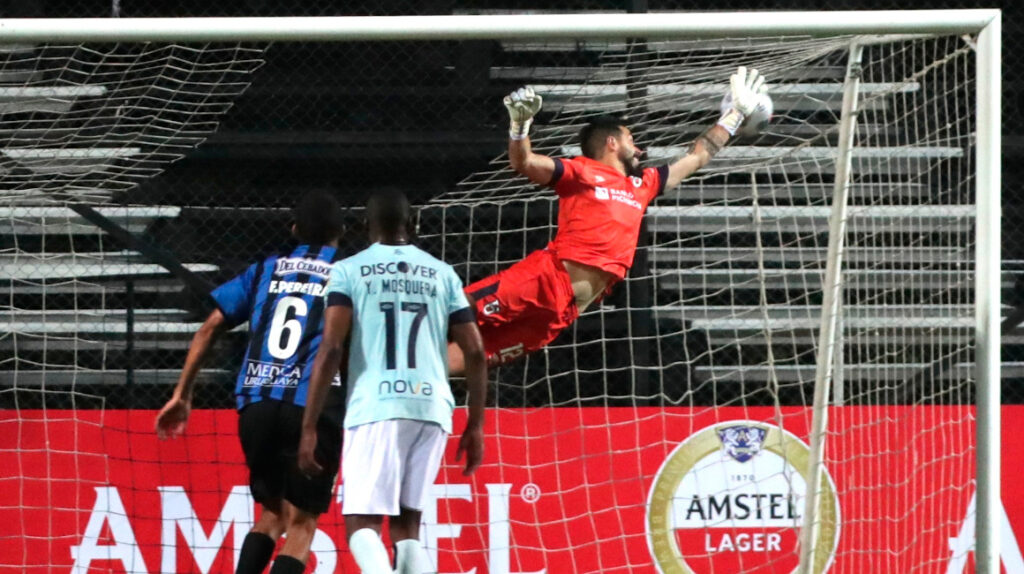 Liverpool remonta y vence a U. Católica en la primera fase de Libertadores