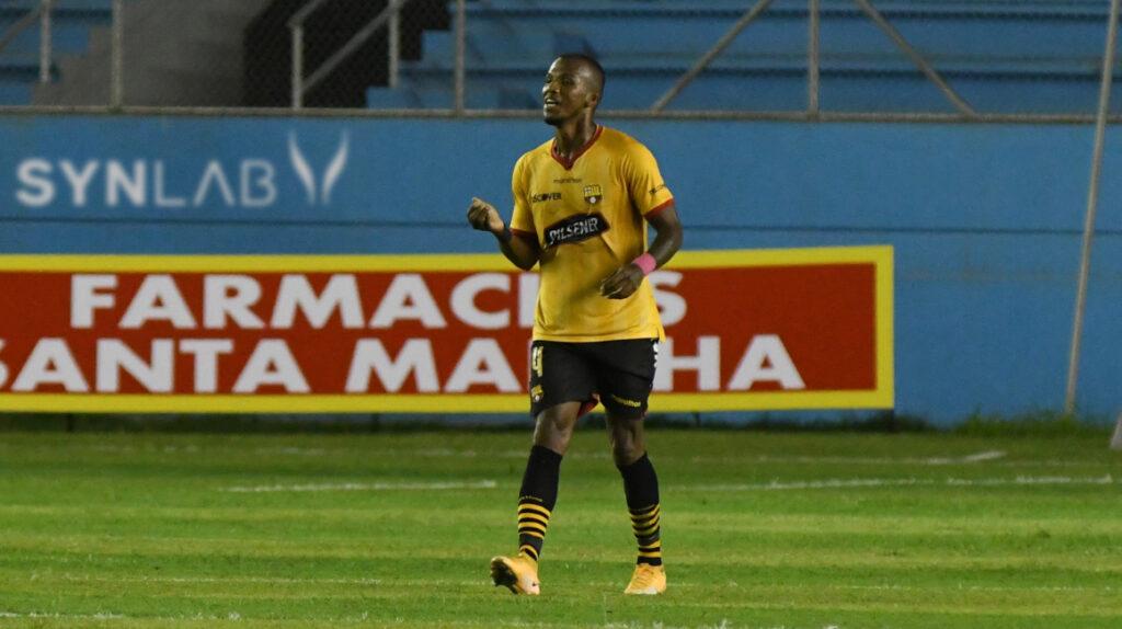 Darío Aimar será baja en Barcelona de seis a ocho meses